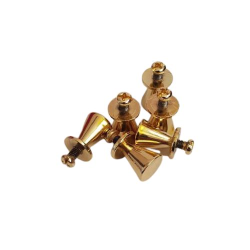 قیمت درج شده برای هر عدد از پایه گلدانی طلایی است.